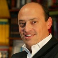 Tiempo de historia: Eric Frattini