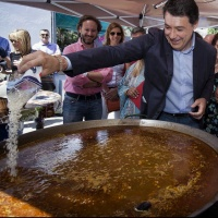 Ignacio González detenido y Rajoy tendrá que declarar ante un juez...Menudo día en La Cafetera. No te lo pierdas...