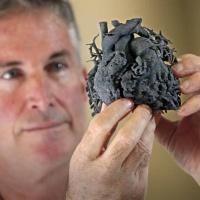 Podcast 2: Impresión de prótesis 3D, protección de foto de perfil de FB.