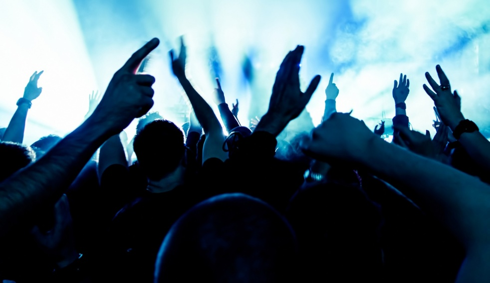 CLUB TE: Like & Share - immagine di copertina