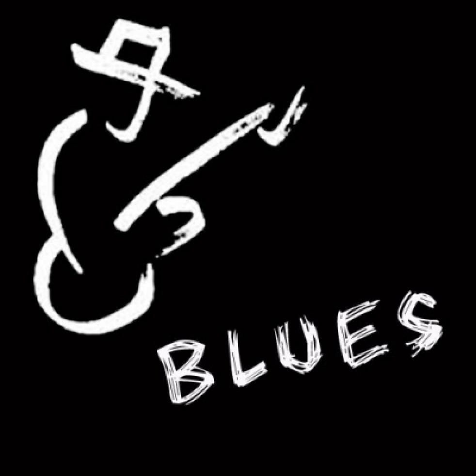 Blue and Beyond - imagen de show de portada