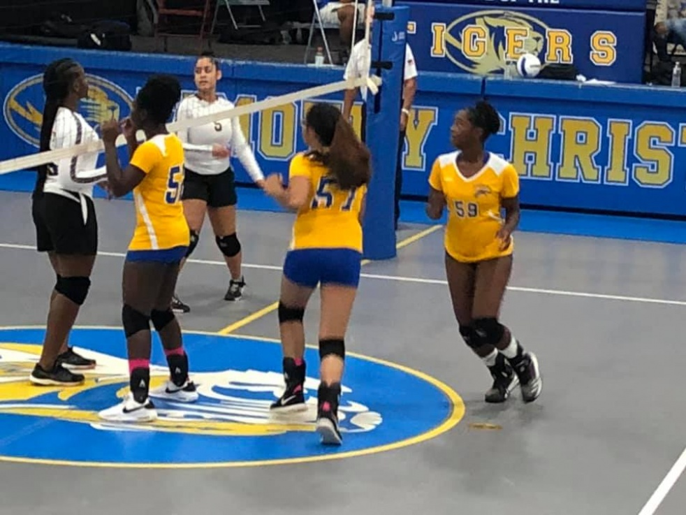 North Brunswick Raiders Girls Volleyball - imagen de show de portada