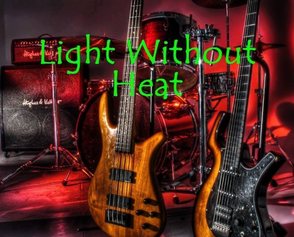 LIGHT WITHOUT HEAT - imagen de show de portada