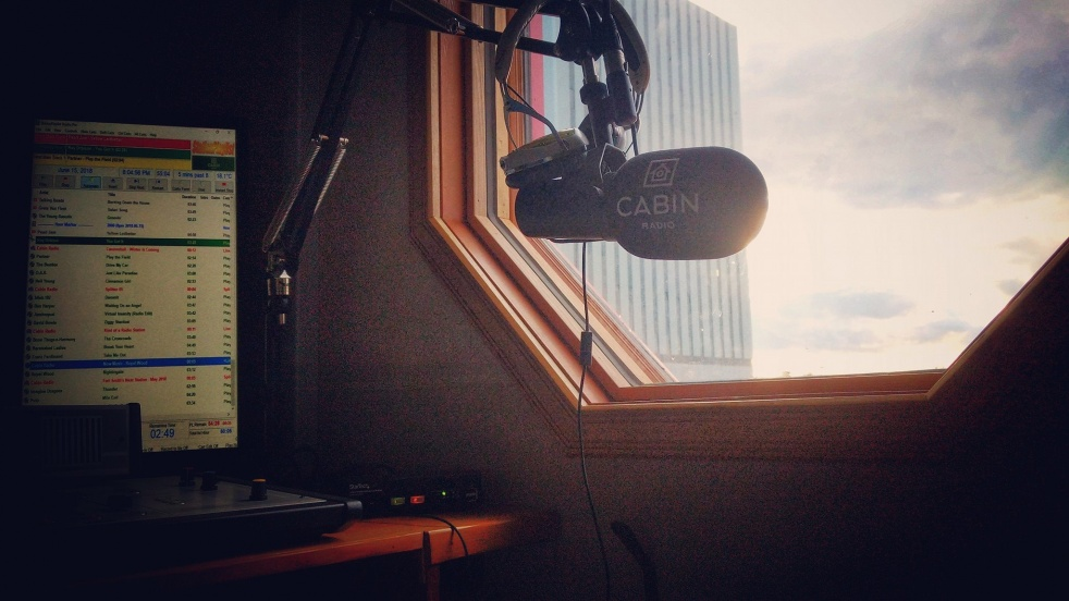 Mornings at the Cabin - imagen de show de portada