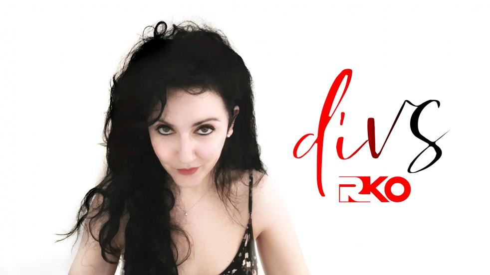 diVS - imagen de show de portada