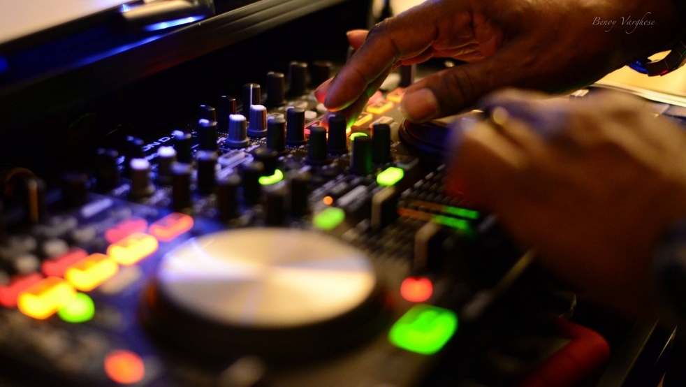 DJ Prof Lee Variety Show - immagine di copertina