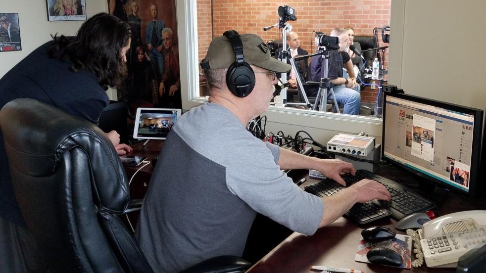 NEWSBREAK WITH ERIC MARTIN KOPPELMAN - immagine di copertina dello show