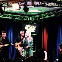 Radio 104.5 Studio Session: Paramore