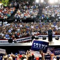 President Draws Huge Crowd at Florida Rally