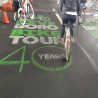 Pedaleando en el Five Boro Bike Tour