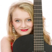 Here's A Little Lady Who Truly Loves What She Does, Lauren Brooke On ITNS Radio!
